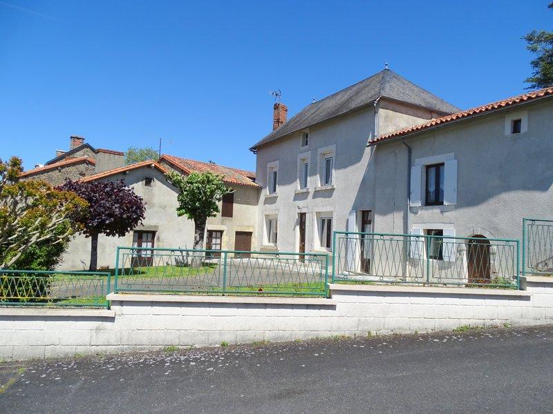Maison Saint-Romain 7 pièce(s)  111 000