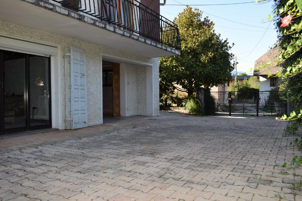 Maison La Motte Servolex 8 pièce(s) 160 m2