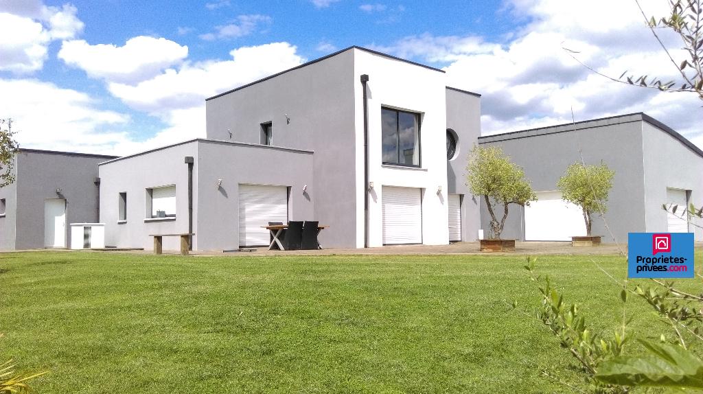Vente Maison/Villa, 320 m2 8 pièces
