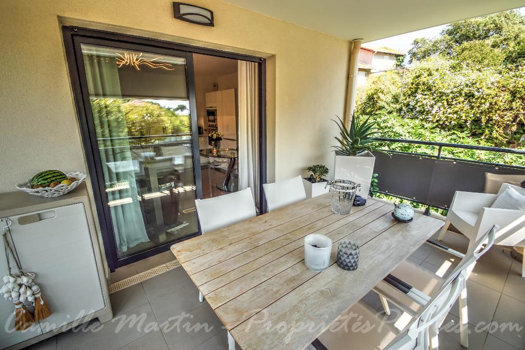 Appartement 3  pièces avec terrasse 14m² - à 2 pas de la plage et des commerces