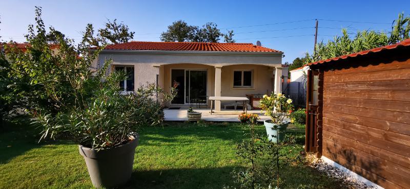 Villa Royan 4 pièce(s) 89 m2 plain pied, jardin, parking couvert