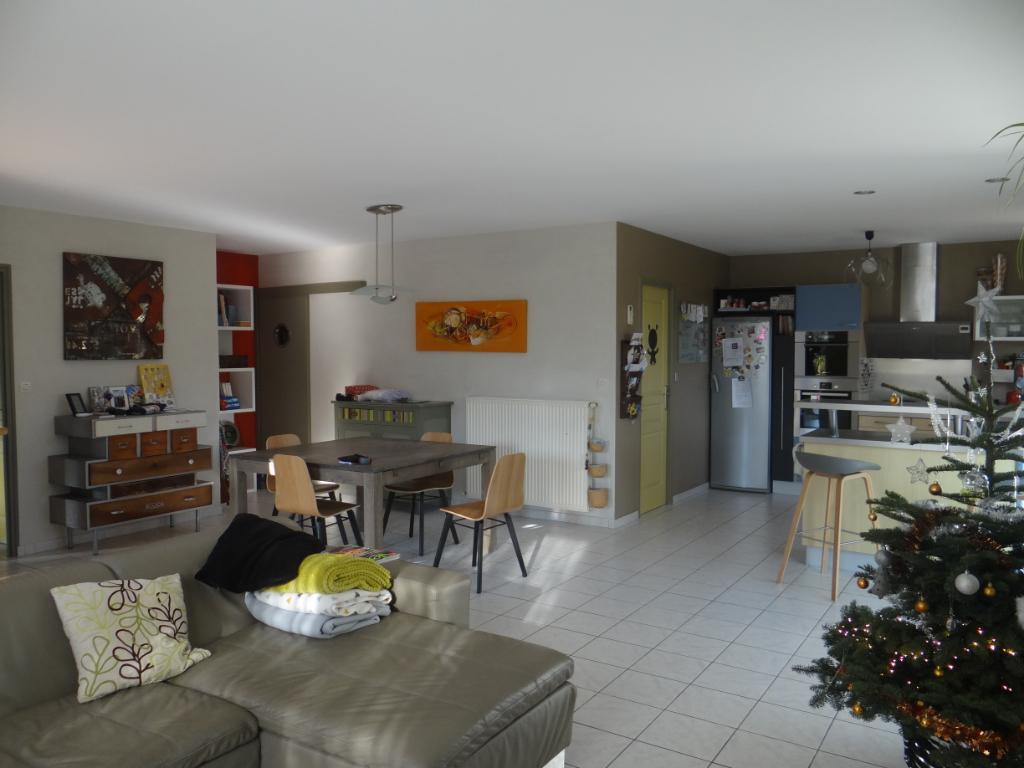 vente maison 121 m saint brevin les pins 44250. Black Bedroom Furniture Sets. Home Design Ideas