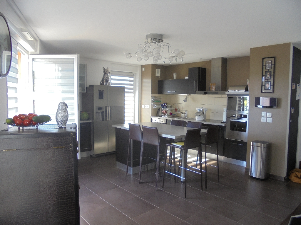 Appartement lumineux T4