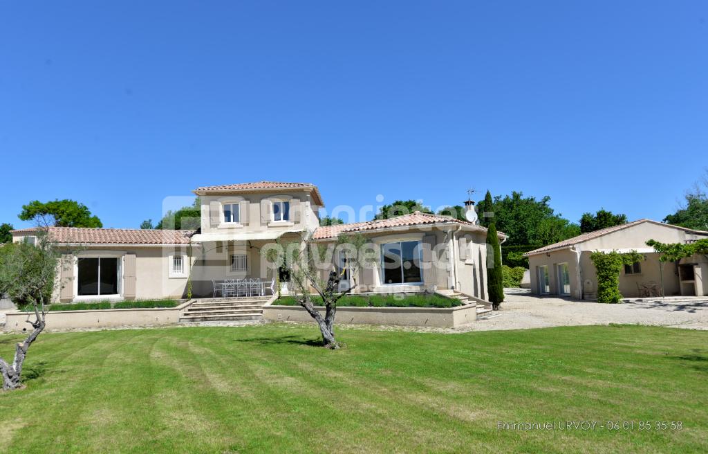 13210 - Saint Rémy de Provence -  Maison 250 m² avec 5 chambres, jardin , piscine et vue Alpilles