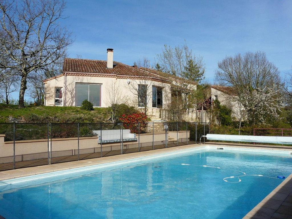 Maison Cahors avec piscine, un studio et dépendances