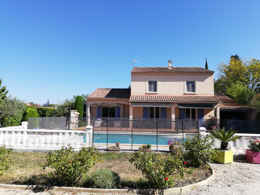Maison Morieres Les Avignon 6 pièce(s) 173 m2     425 000 euros