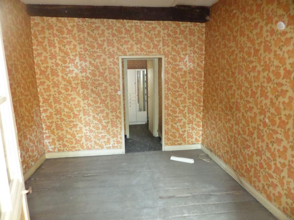 Maison Saintes 4 pièce(s) 110 m2 cour