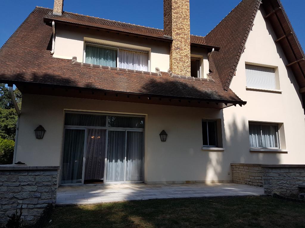 Demeure de prestige-94450- Villa 7 pièces 230 m² env./terrain 845m² env.-5 chambres-Sous-sol total