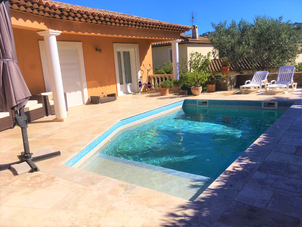 Villa T6 de PLAIN PIED contemporaine + T2 attenant sur 1400m² terrain plat avec piscine -