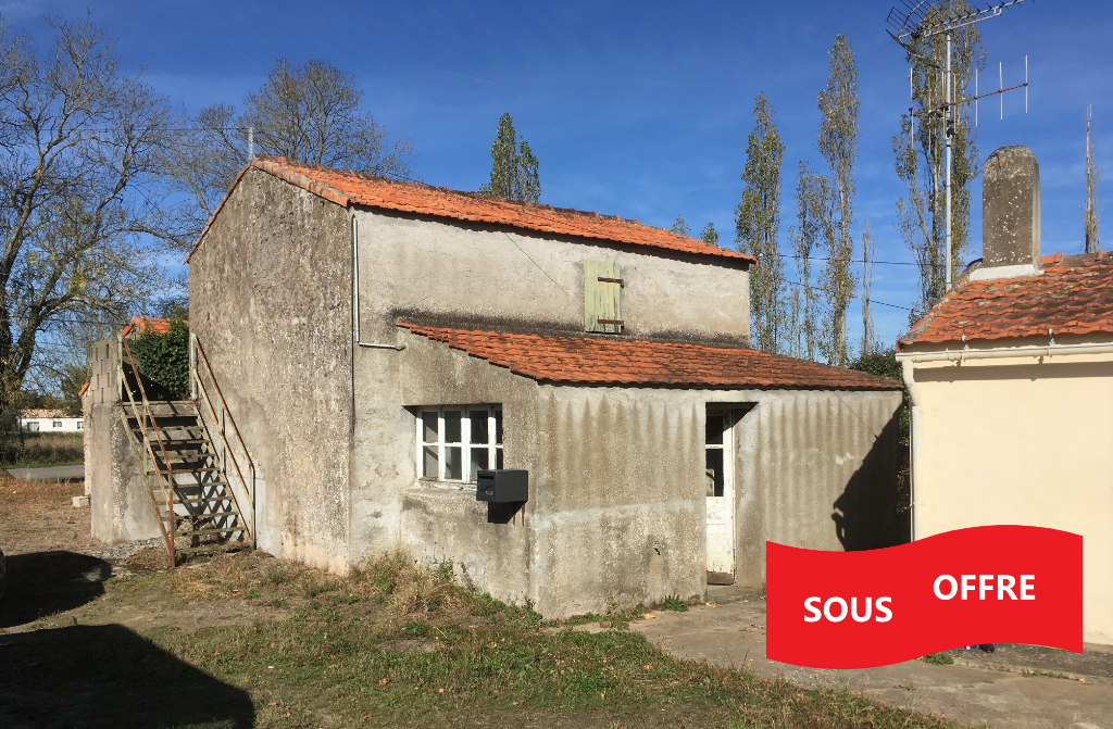 Maison St Viaud 3 pièce(s) 70 m2 plus dépendances