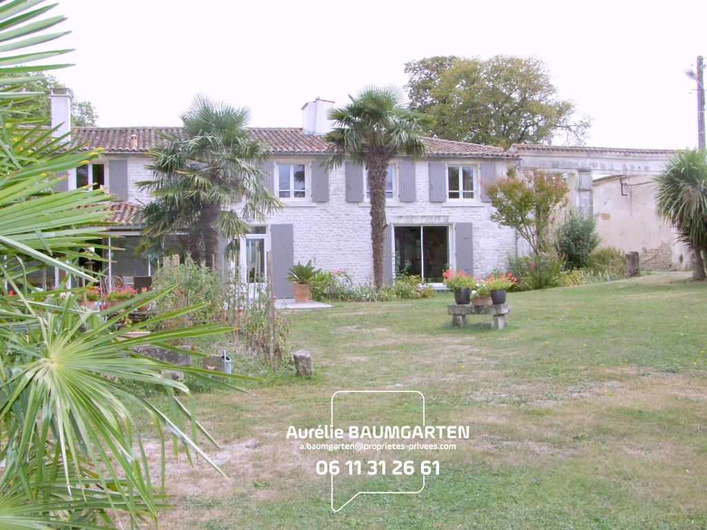Maison Charentaise - 9 pièce(s) - 275m²