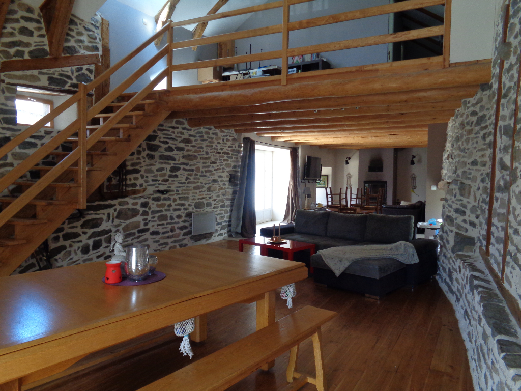 Bessamorel-Messinhac (43) maison de 175 m2 habitables, 4 chambres
