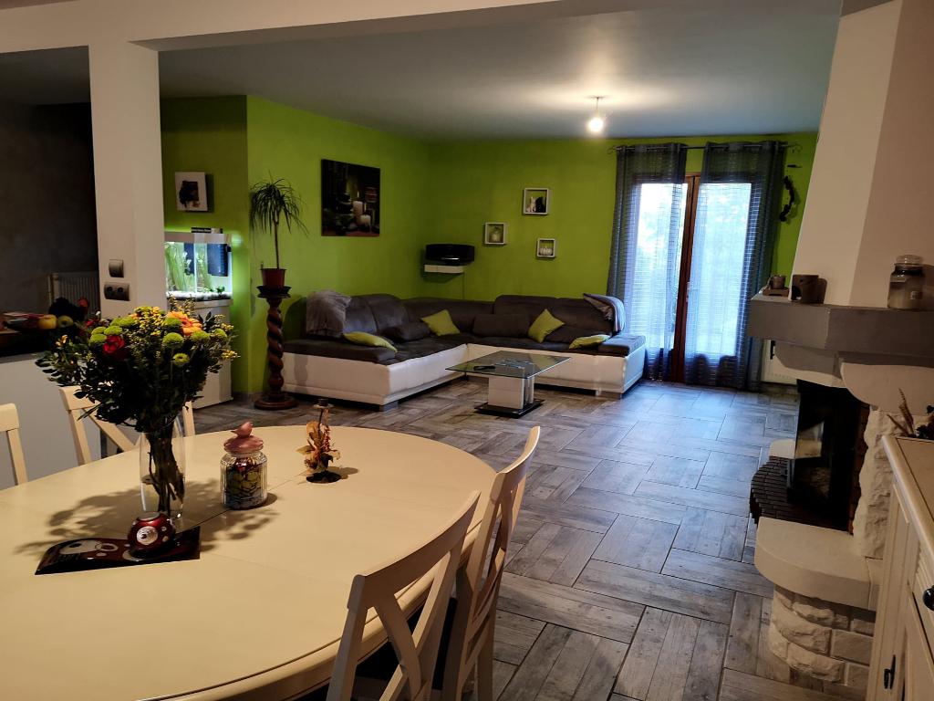Maison individuelle - Lèves - 28300  7 pièces 165 m2, avec piscine creusée
