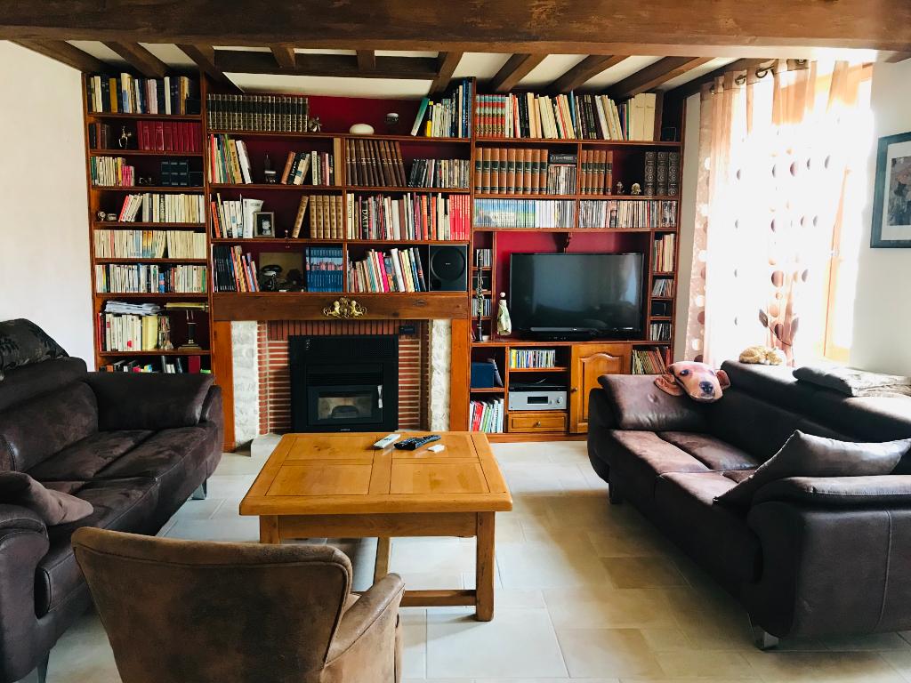 Maison à Essoyes  de 242 m2