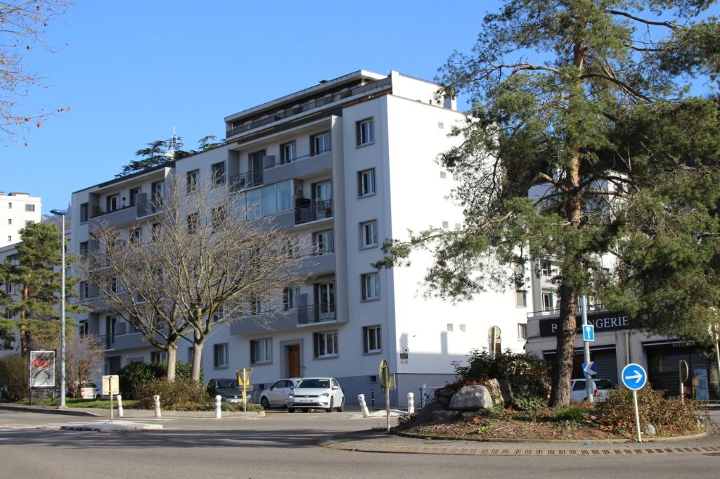 Appartement Chambery 3 pièce(s) 60.61 m2 avec cave et garage