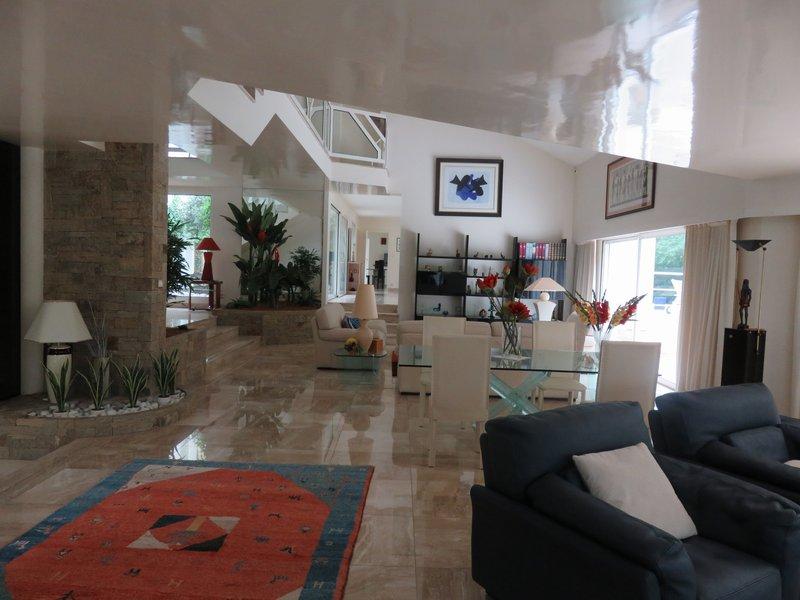 Maison - 18 piece(s) - 900 m2