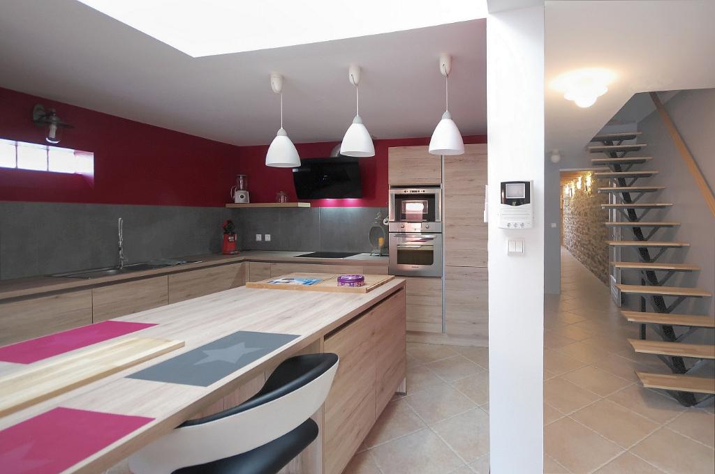 Maison de  village est Carcassonne 5 pièce(s) 115 m2