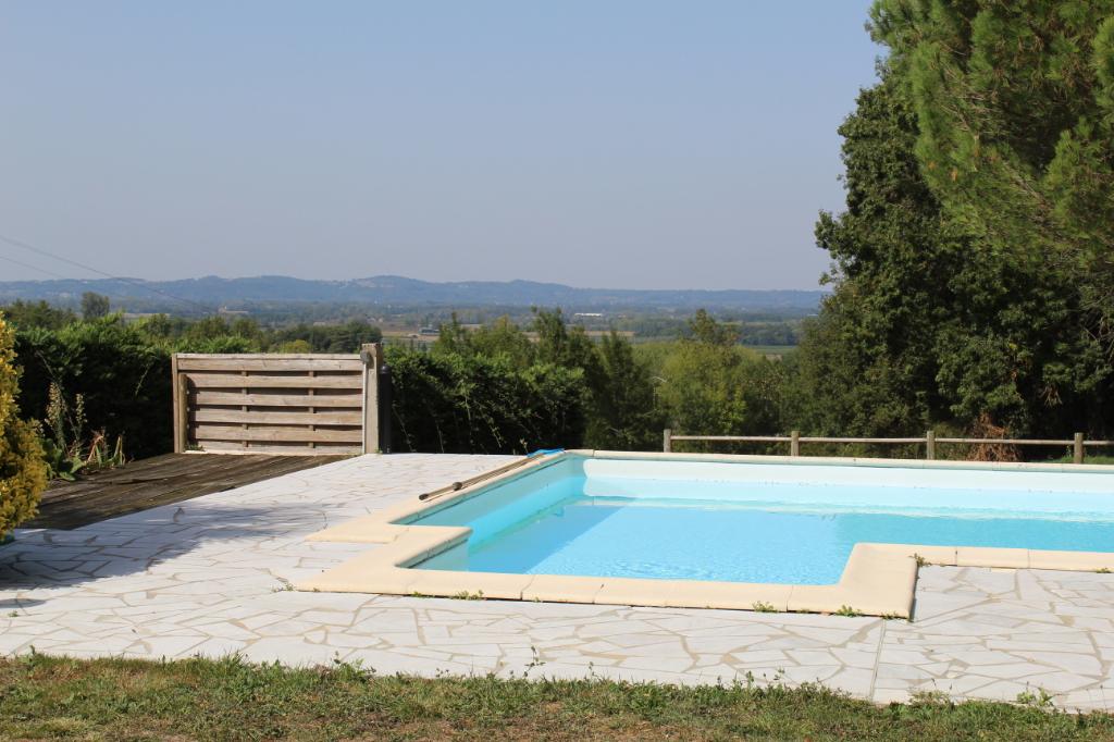 Maison Gageac Et Rouillac 5 pièce(s) 111 m2, piscine