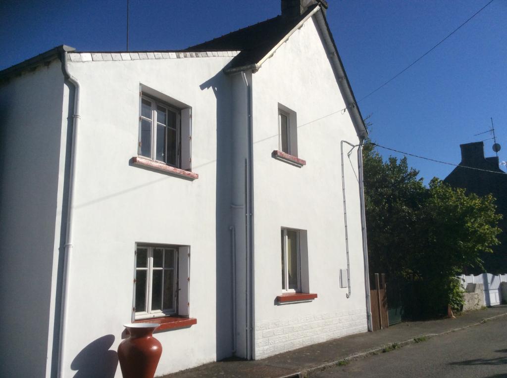 Maison St Tugdual 6 pièces , 5 chambres 136 m2 , jardin
