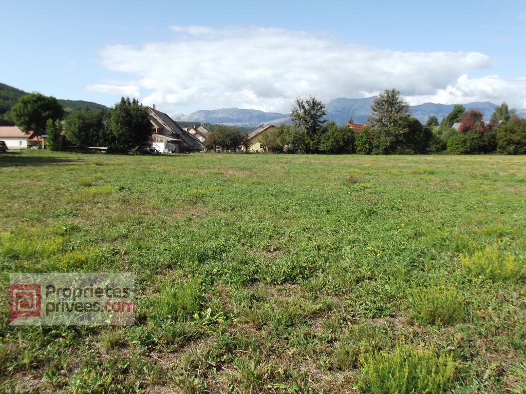 Terrain  constructible 5000 m2 (2700 m²+2300 m²)