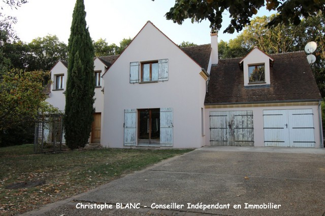 91530Maison Saint Cheron 6 pièce(s) 150 m2