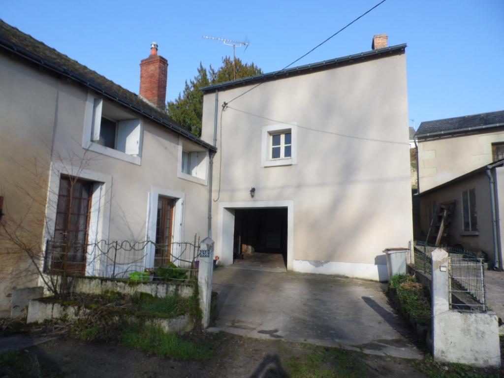 Maison avec garage et terrain clos à Montreuil-Bellay - 214255