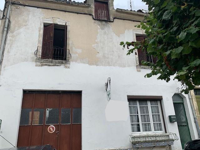 Maison de ville 100 m2 à rénover 5 pièces avec grande terrasse