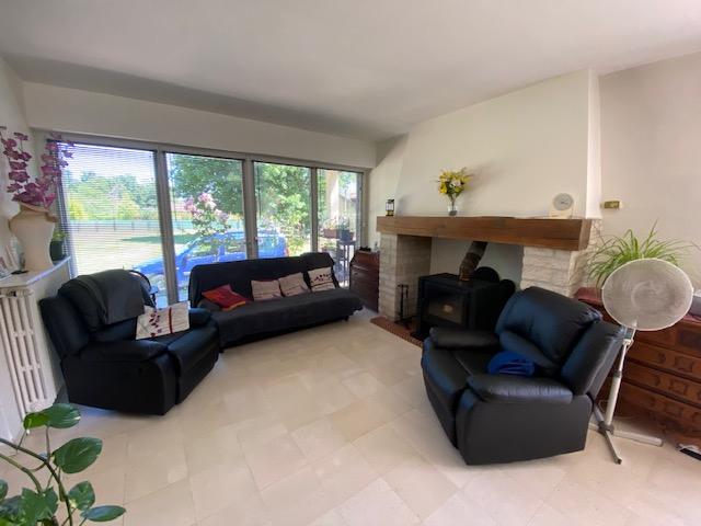 Maison Montpon Menesterol 4 pièce(s) 90m2, dont 3 chambres, piscine couverte chauffée