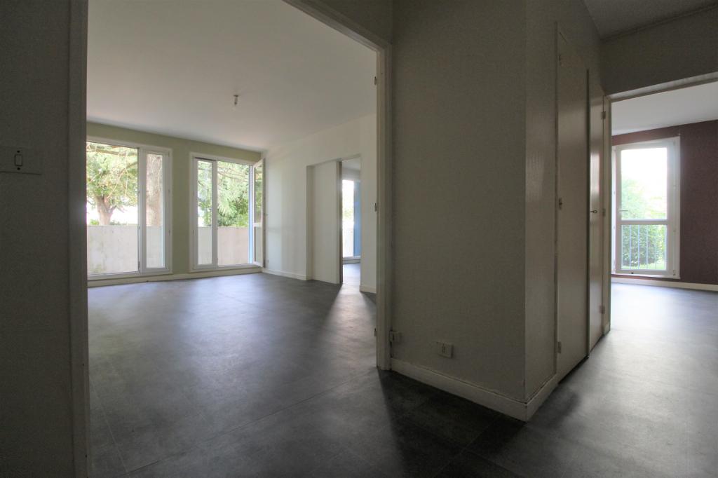 Appartement  3 pièces 64,75 m² parking aérien et cave