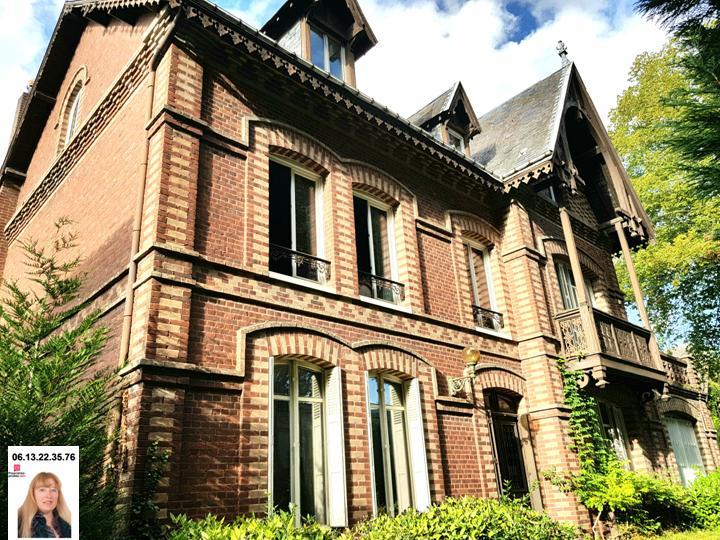 EXCLUSIVITE - LES ANDELYS CENTRE VILLE MAISON BOUGEOISE 272 M2 SUR PARC DE 1.500 M2 PRIX 334.400