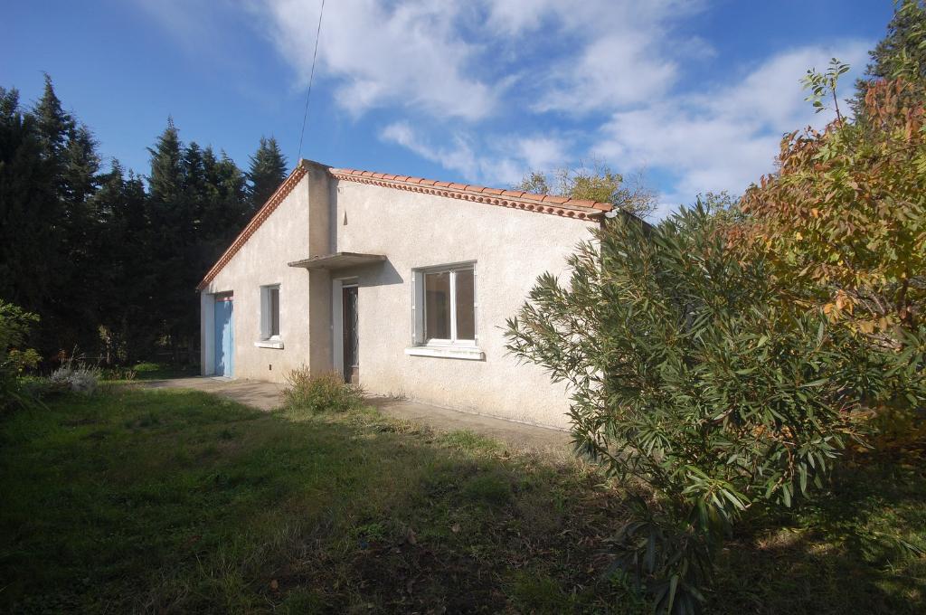 Villa plain-pied  avec  garage sur  terrain 700 m2