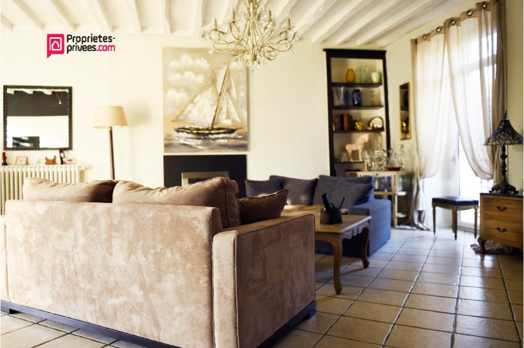 Maison de caractère Centre de Chateaubriant 9 pièce(s) 357 m2