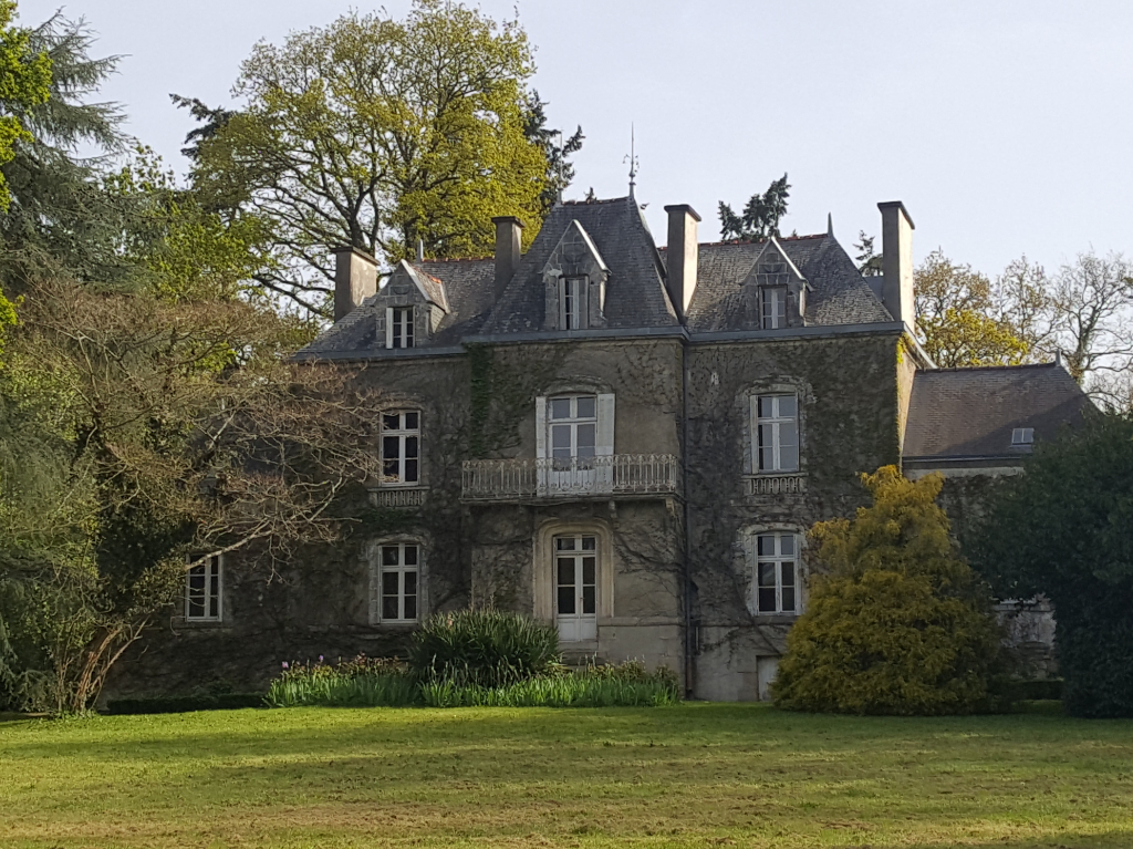 Maison Ploermel 12 pièce(s) 320 m2