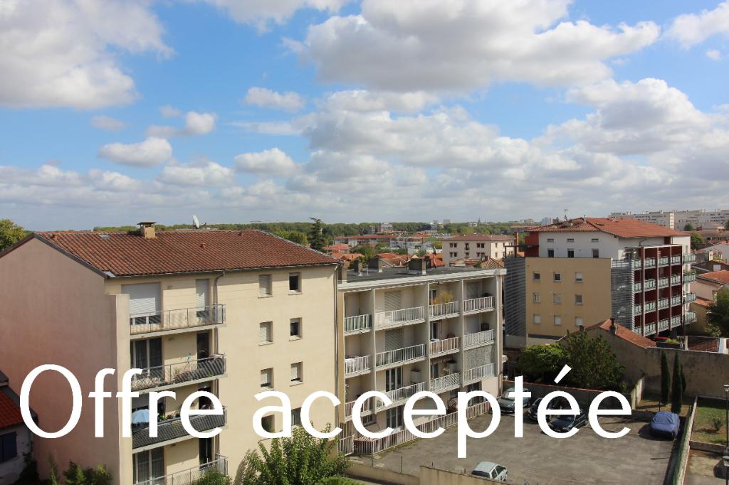 Ave Grande Bretagne Toulouse Appt T4  95 m² +2 garages fermés