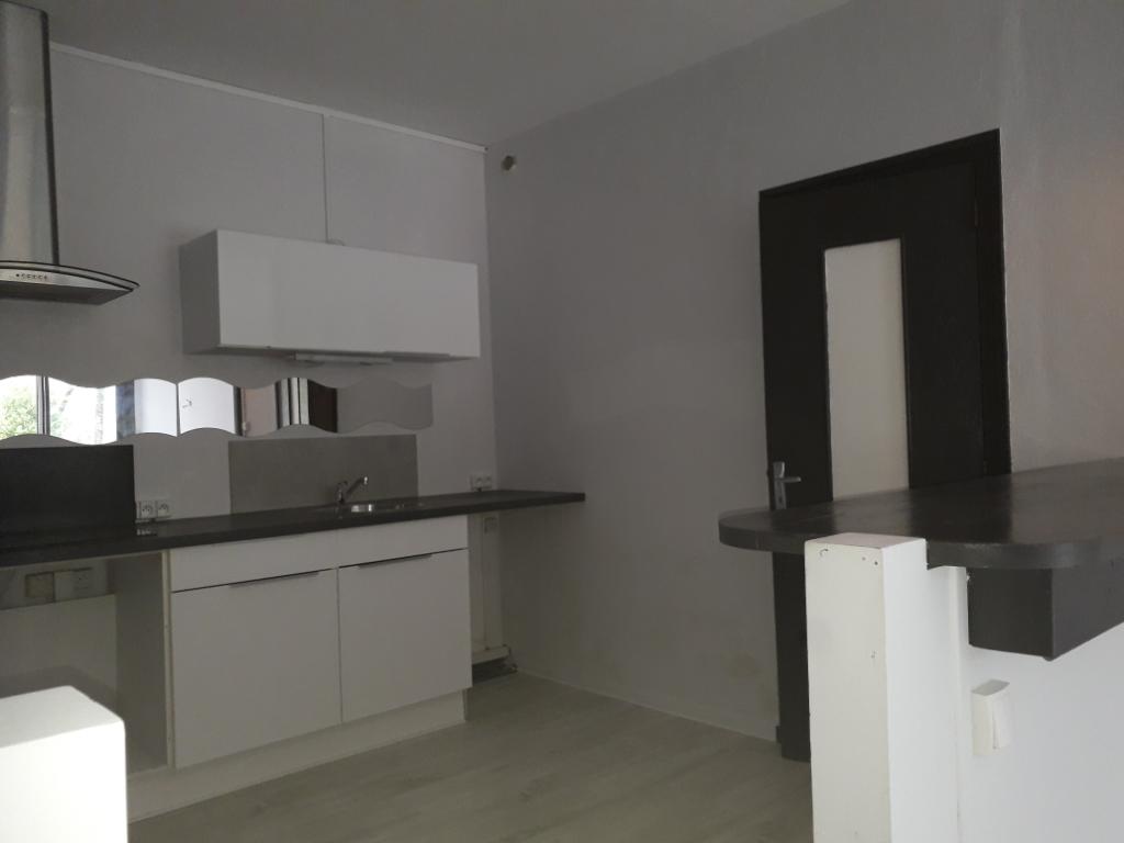 Appartement , hauteurs d 'Aix Les Bains, 3 pièce(s), EN EXCLUSIVITE  ,en rez de jardin,68M2, propre