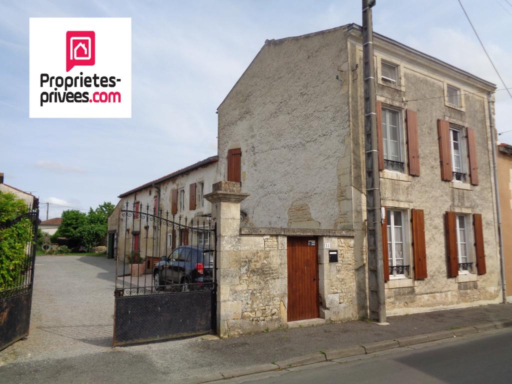 Maison en pierre Usseau 7 pièce(s) 175 m2