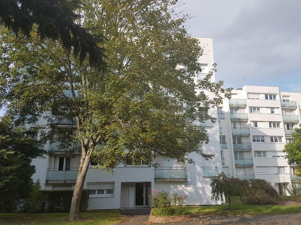 Appartement  3 pièces- 66 m² + cave + parking