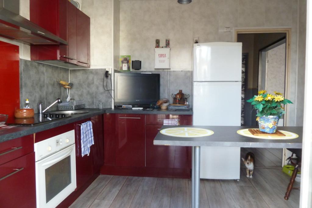 A vendre Maison 6 pièces avec garage et jardin