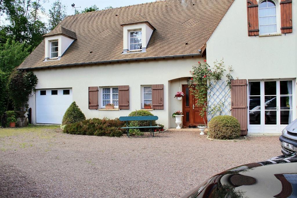 Maison Le Perray En Yvelines 5 chambres sur  2500m2 de terrain