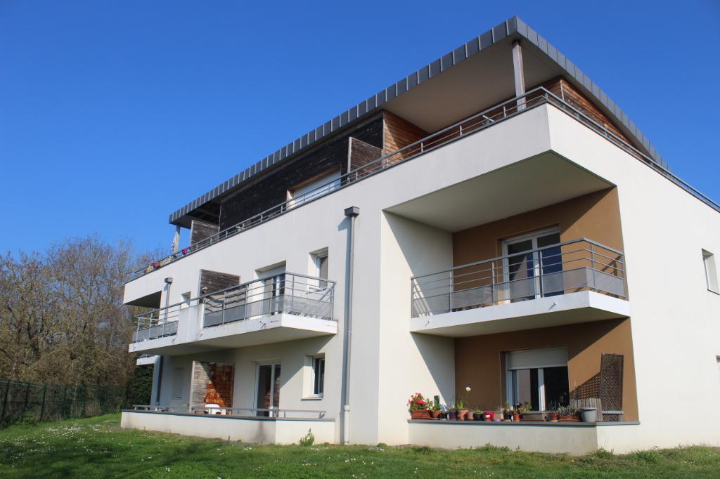 Côtes d'Armor 22190 Plérin, Appartement 2 chambres, balcon, 2 places de parking aérien, piscine collective