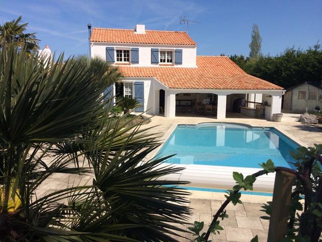 Maison  6 pièces 130 m² env  avec piscine  sur 1600m² de terrain Proche Mer
