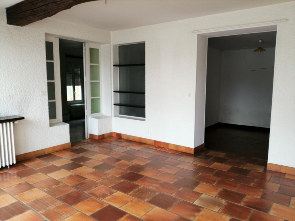 Maison de caractère avec jardin et garage deux voiture centre Lesparre Medoc 8 pièce(s) 190 m2