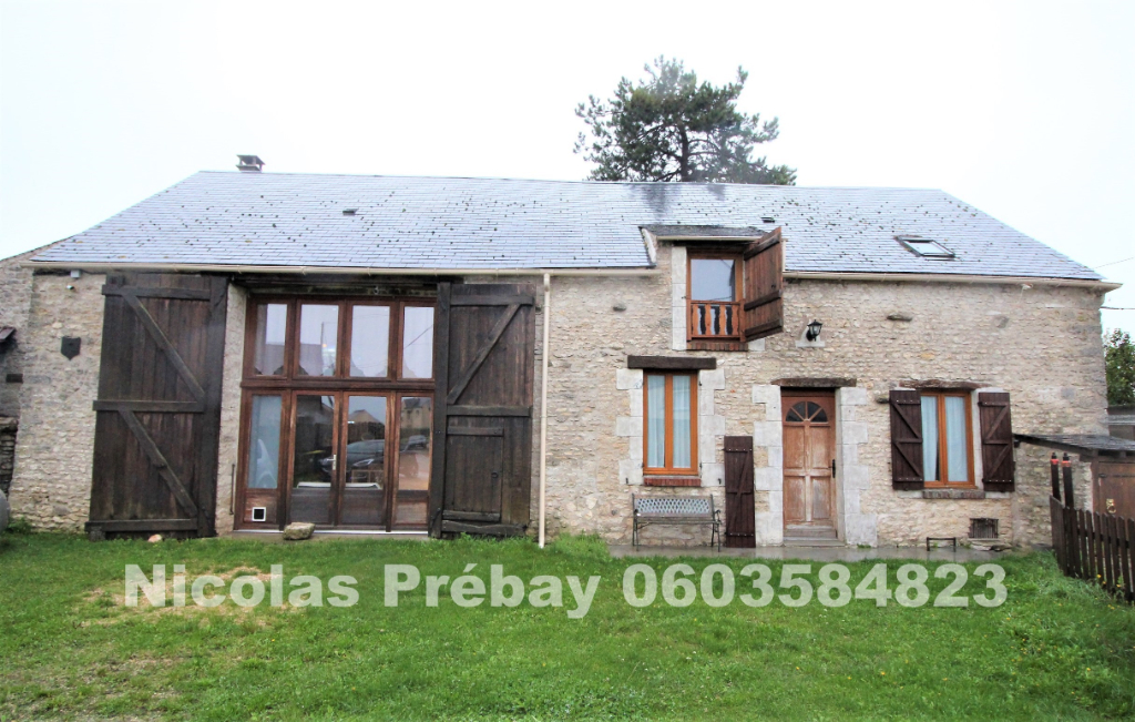 Maison en pierres , 5 chambres, terrain et dépendance