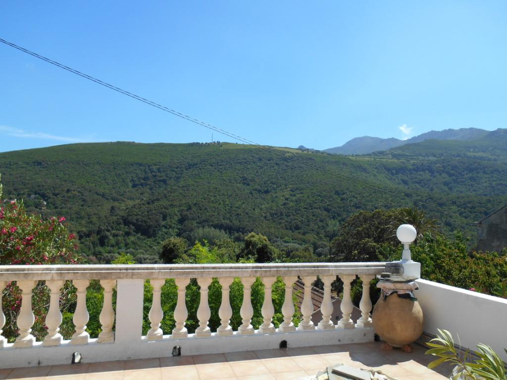 Cap Corse Luri bel appartement avec grande terrasse