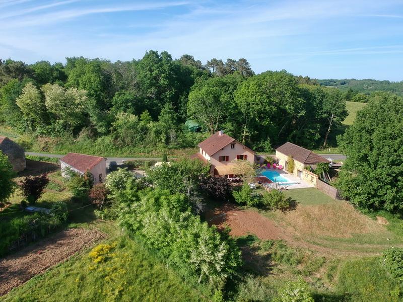 Maison pierres belle vue 150 m2 5 chambres piscine grange garage