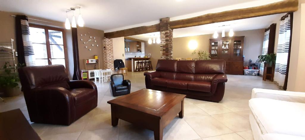 Maison familiale 6 pièce(s) 190 m2