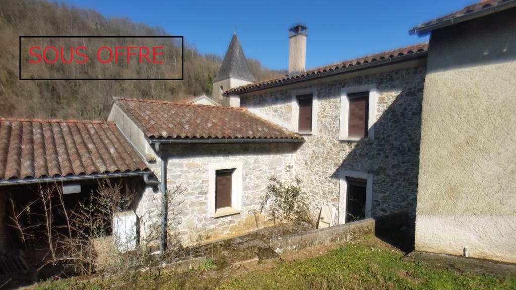 Maison de village   200 m² avec jardin et garage