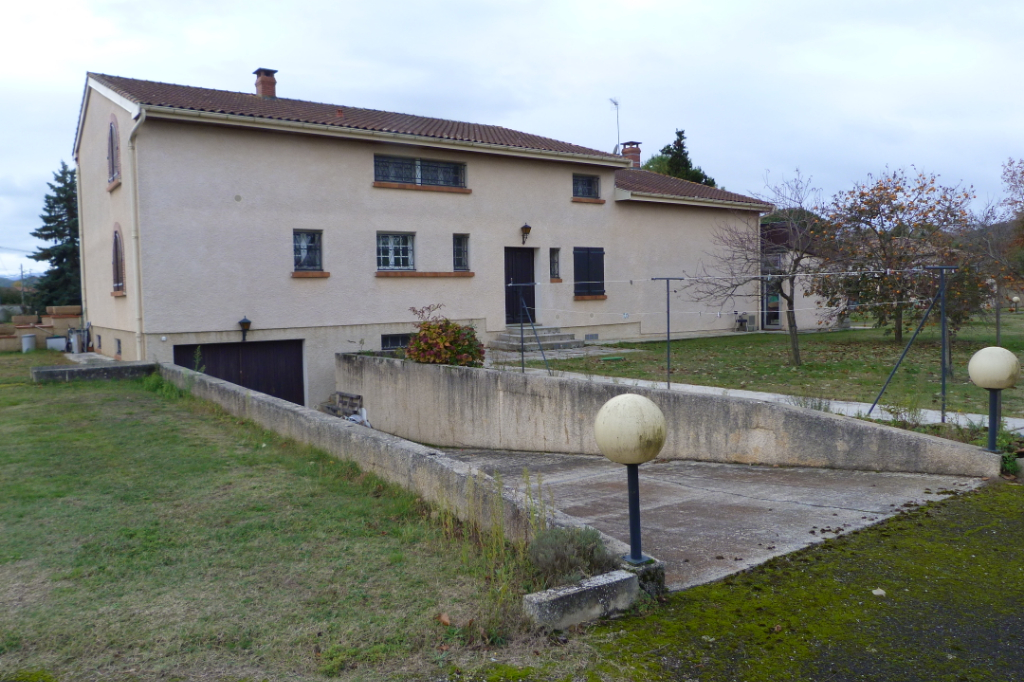 PAMIERS  09100 Maison 4 /6 Chambres  330 m2  terrain 9800 m² . Prix : 595 125 euros honoraires agence charge vendeur