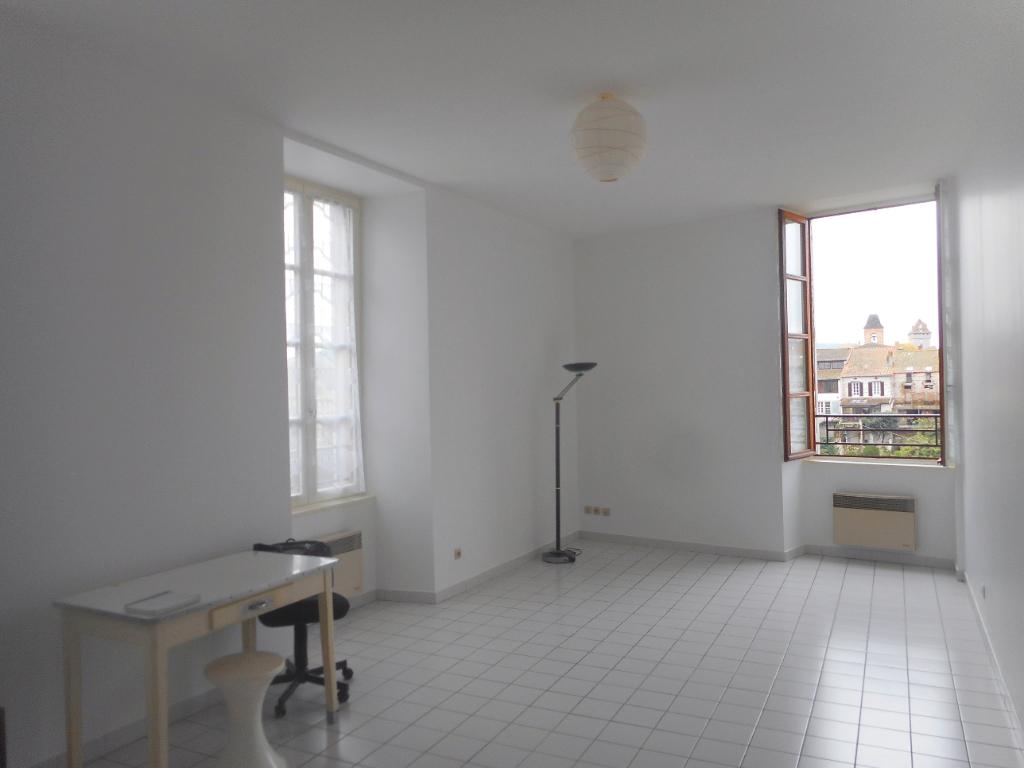 Appartement lumineux et calme, avec vue sur le Lot