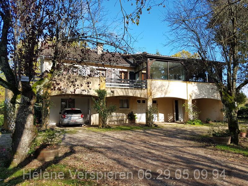 Maison Le Bugue 10 pièce(s) 227 m2